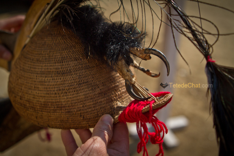 arunachal_pradesh_chapeau_oiseau_traditionnelle_pokhu_village