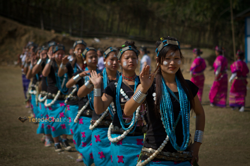 arunachal_pradesh_dance_traditionnelle_pokhu_village_3