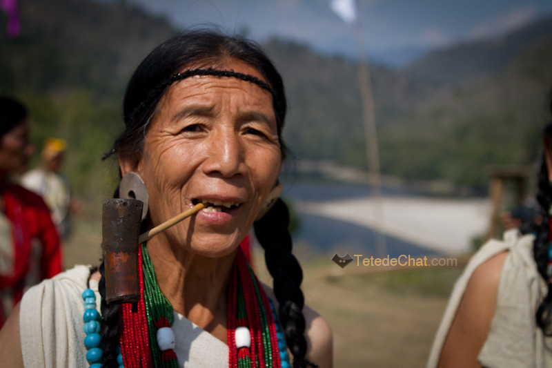 arunachal_pradesh_dance_traditionnelle_pokhu_village_femme_portrait