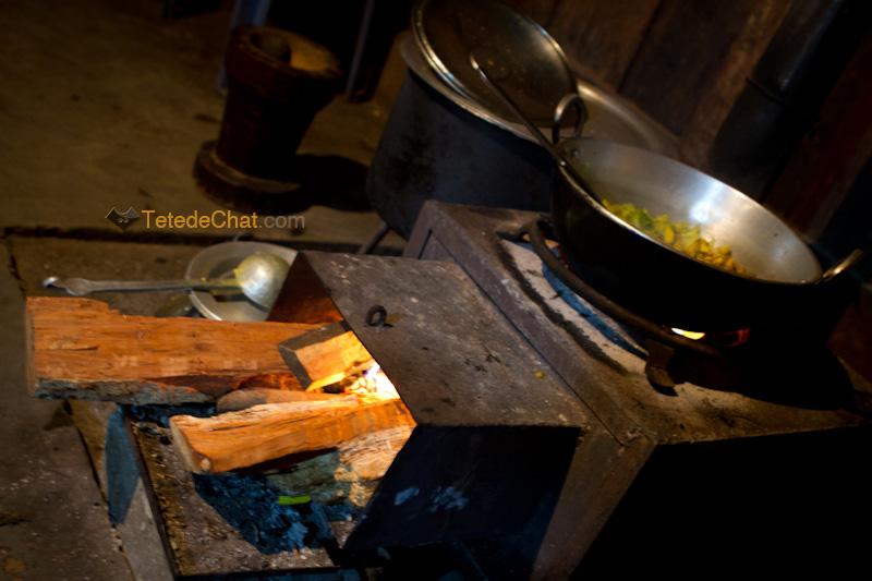 mechuka_cuisine_feu