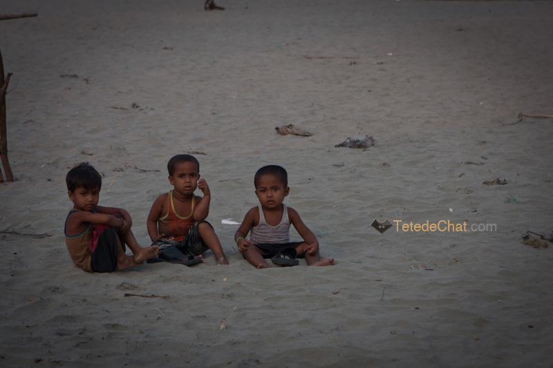 enfants_plage_st_martin_bangladesh