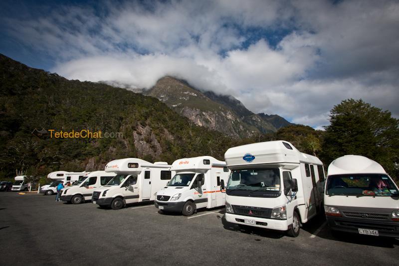 camping_vans_ milford_sound