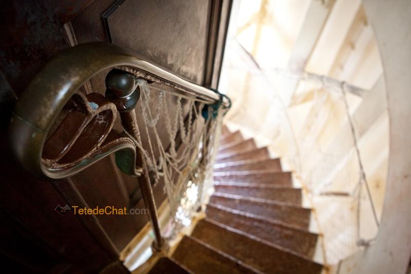 interieur_phare_amadee_escalier_2