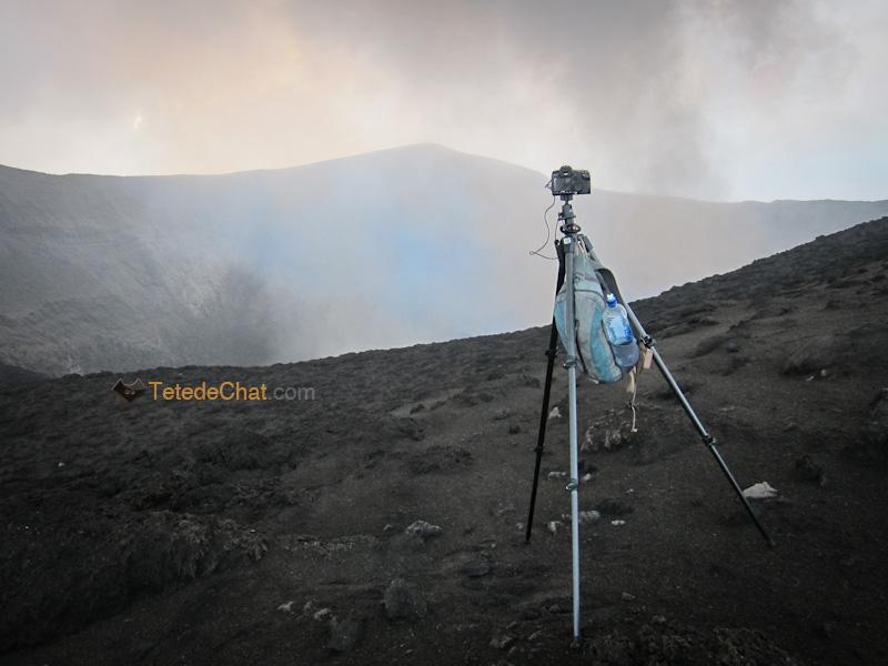 appareil_photo_installe_cratere_yasur_tanna