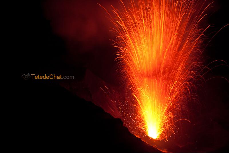 eruption_volcan_yasur_tanna_nuit_10
