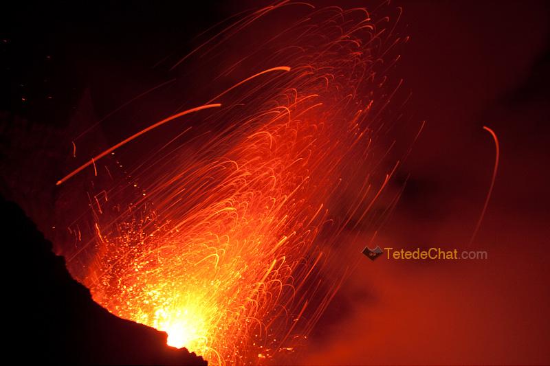 eruption_volcan_yasur_tanna_nuit_13