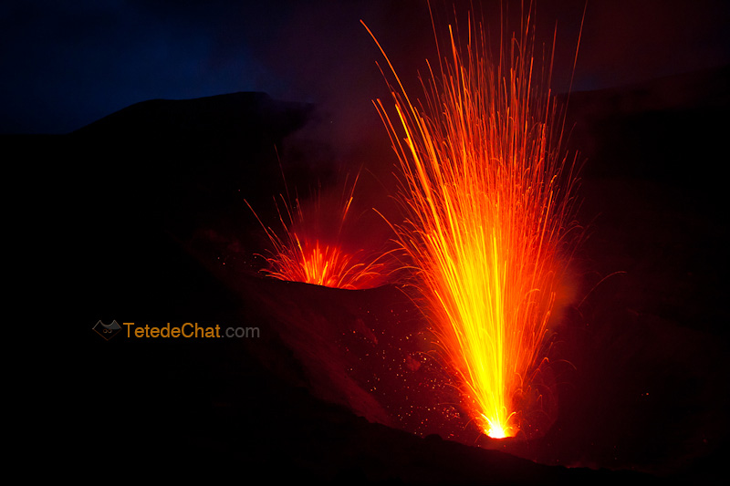 eruption_volcan_yasur_tanna_nuit_3