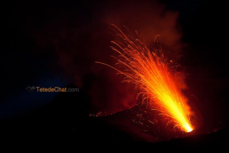 eruption_volcan_yasur_tanna_nuit_6