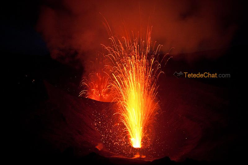 eruption_volcan_yasur_tanna_nuit_8