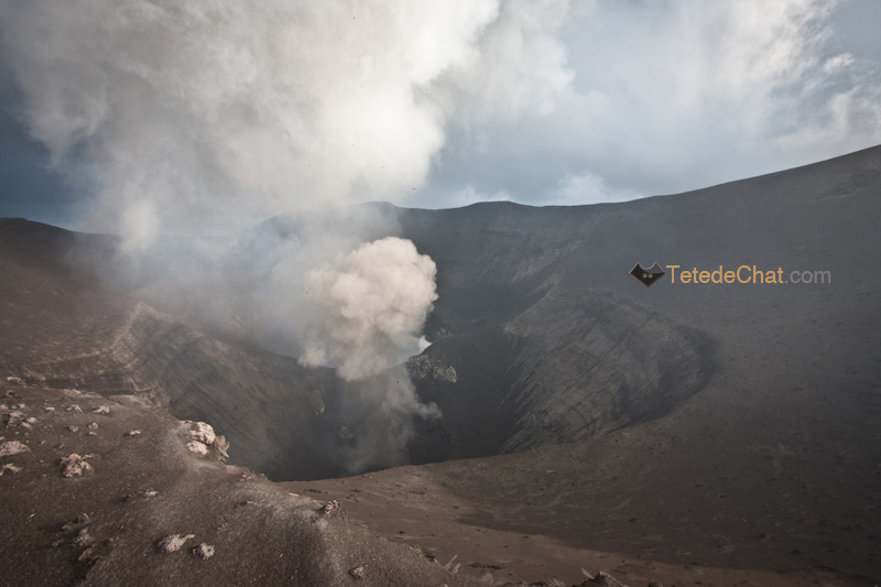 fumee_volcan_yasur_tanna_cratere