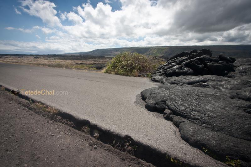lave_sur_route_grande_ile_hawai_10
