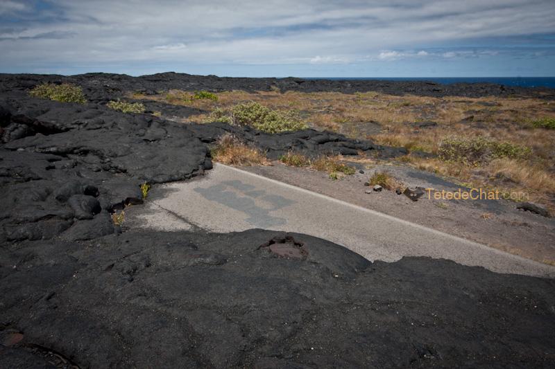 lave_sur_route_grande_ile_hawai_4