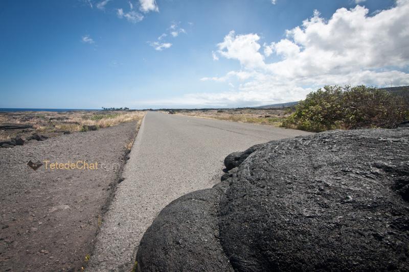 lave_sur_route_grande_ile_hawai_goudron_2