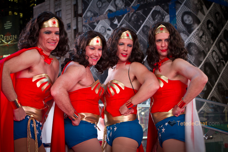 wonder_woman_hommes_new_york_halloween