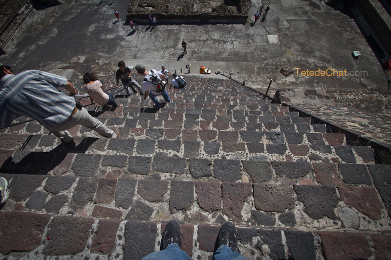 Teotihuacan_pieds_marches