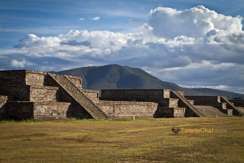 Teotihuacan_plateforme_montagne