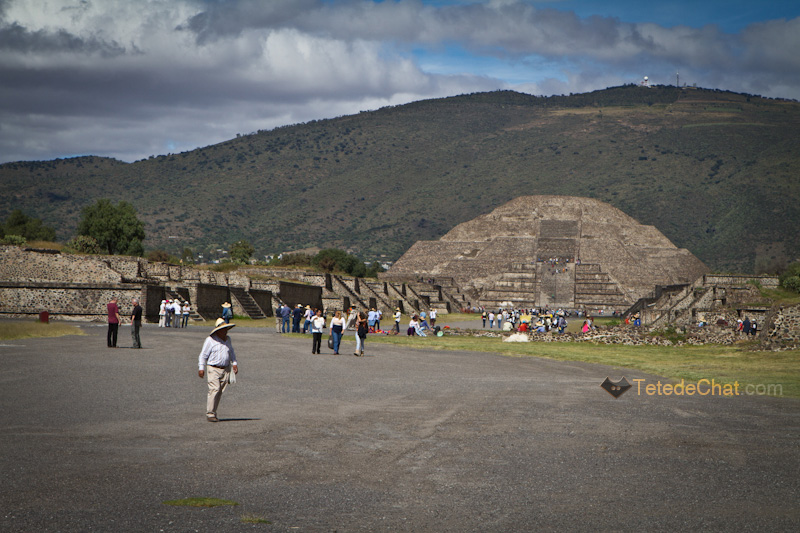 Teotihuacan_pyramide_lune
