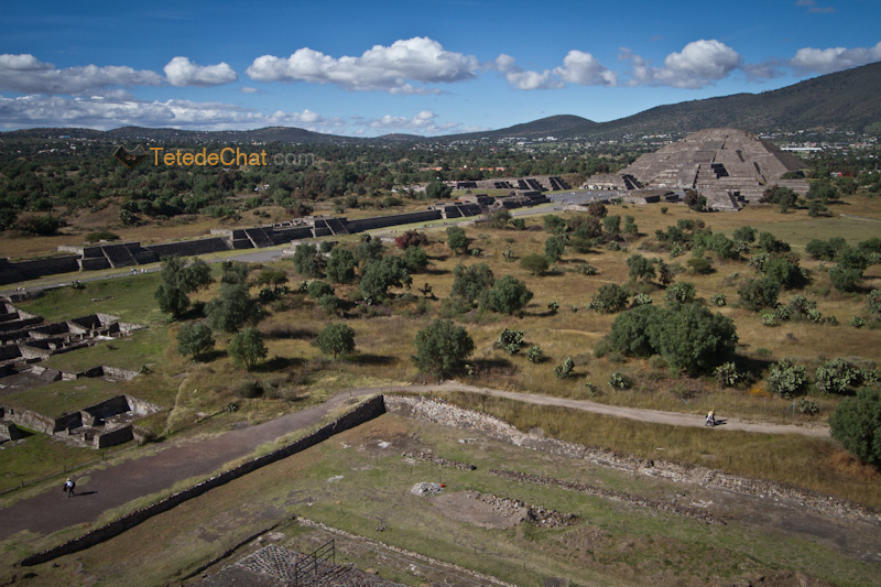 Teotihuacan_pyramide_lune_chaussee_morts