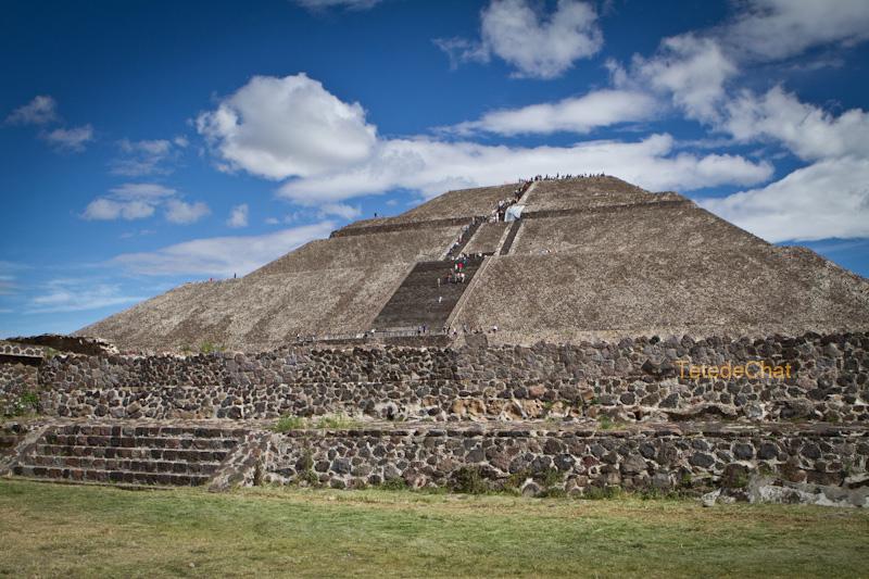 Teotihuacan_pyramide_soleil_4