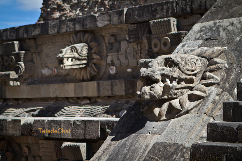 Teotihuacan_serpent_tete_statue