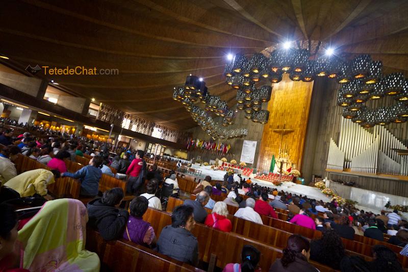 interieur_Basilique_Notre_Dame_de_Guadalupe_Mexico
