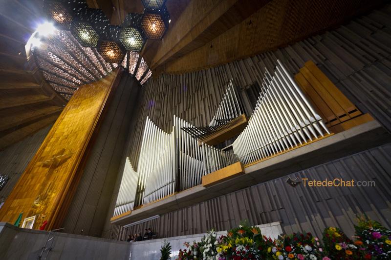 interieur_plafond_Basilique_Notre_Dame_de_Guadalupe_Mexico