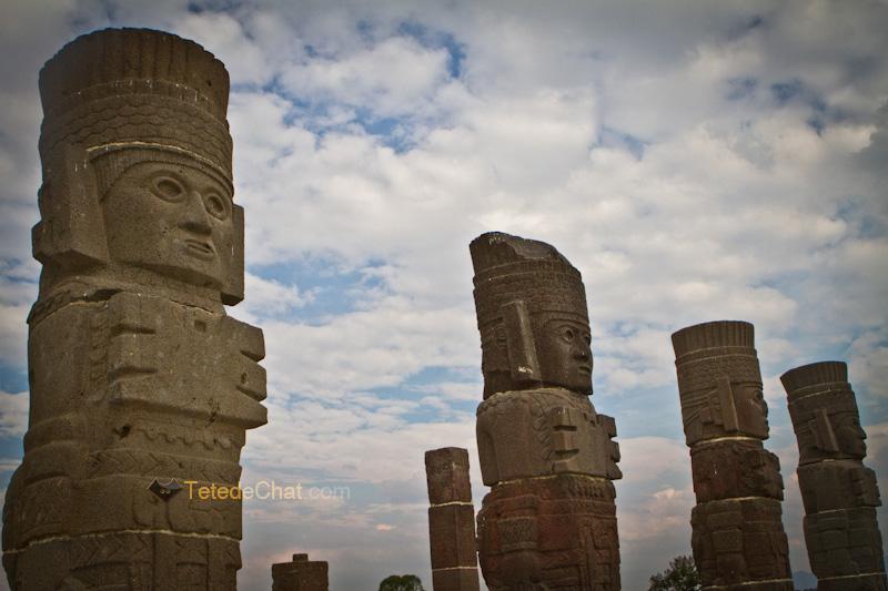 tula_statues_mexique_3