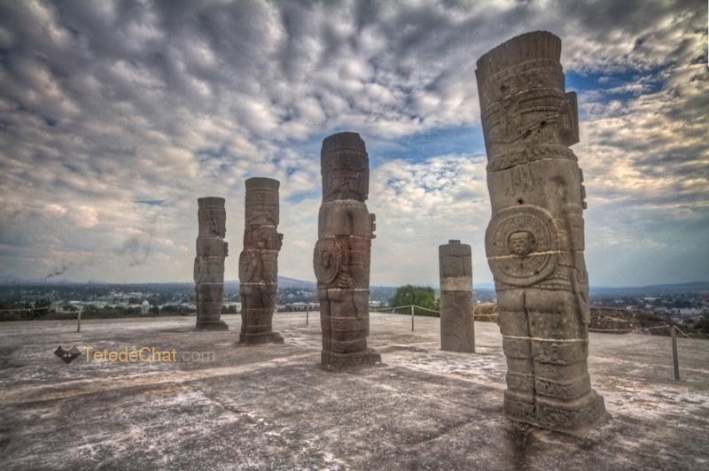 tula_statues_mexique_HDR
