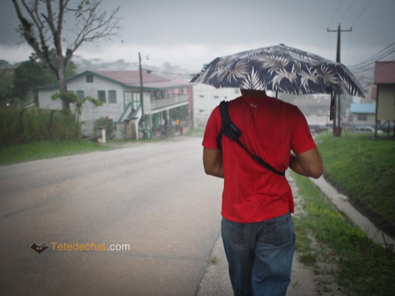 moi_san_ignacio_parapluie_pluie