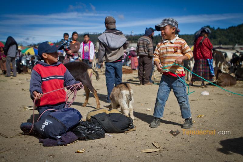 San_Francisco_El_Alto_marche_enfants