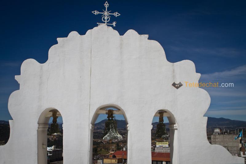 San_Francisco_El_Alto_marche_toit_eglise