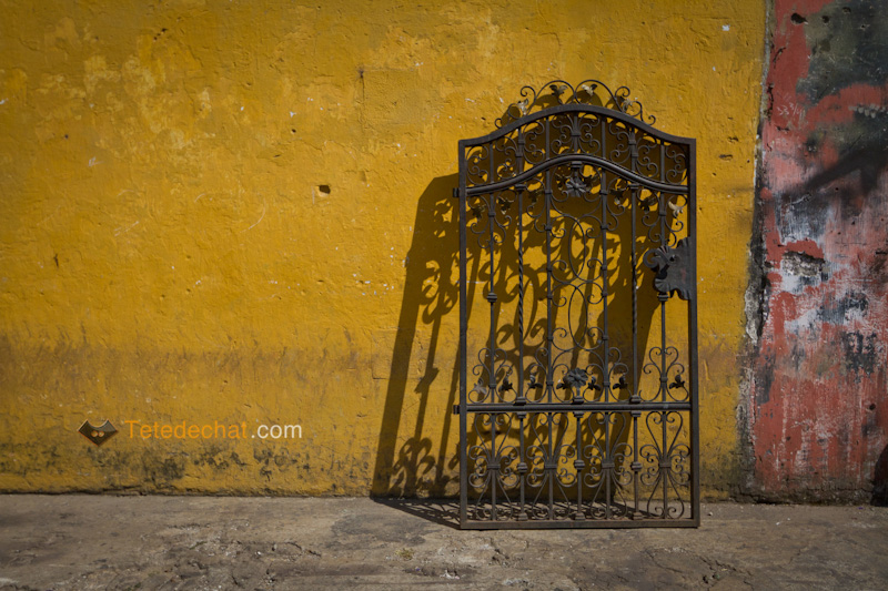 antigua_mur_porte_rue