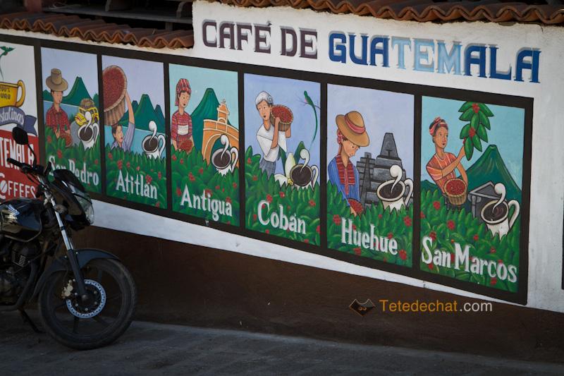 atitlan_village_peinture_mur_cafe