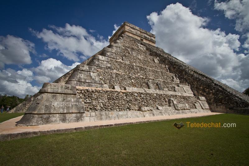 chichen_itza_pyramide