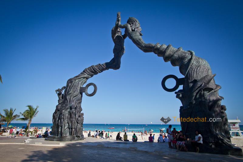 plage_playa_del_carmen_statue