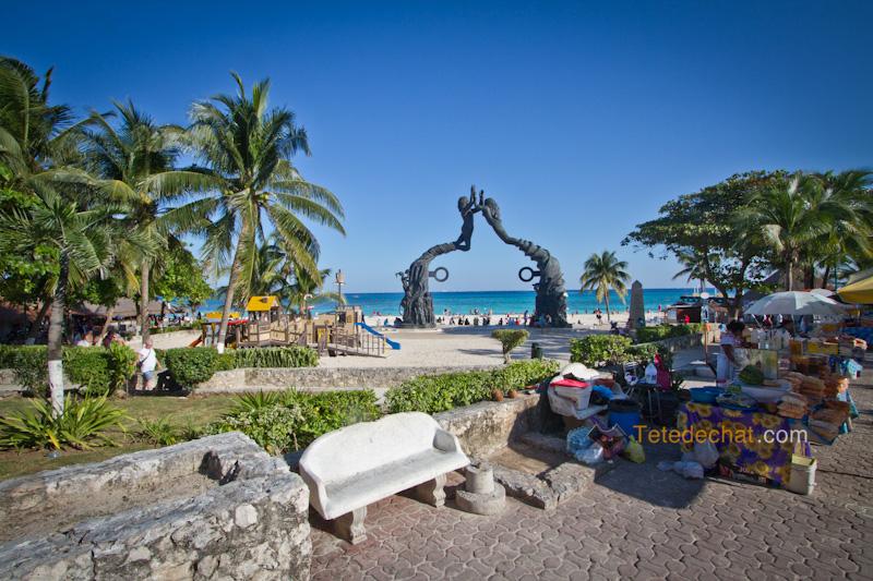 statue_playa_del_carmen