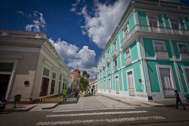 cienfuegos_building_couleur
