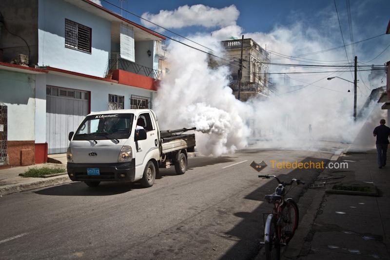 cienfuegos_camion_anti_moustiques