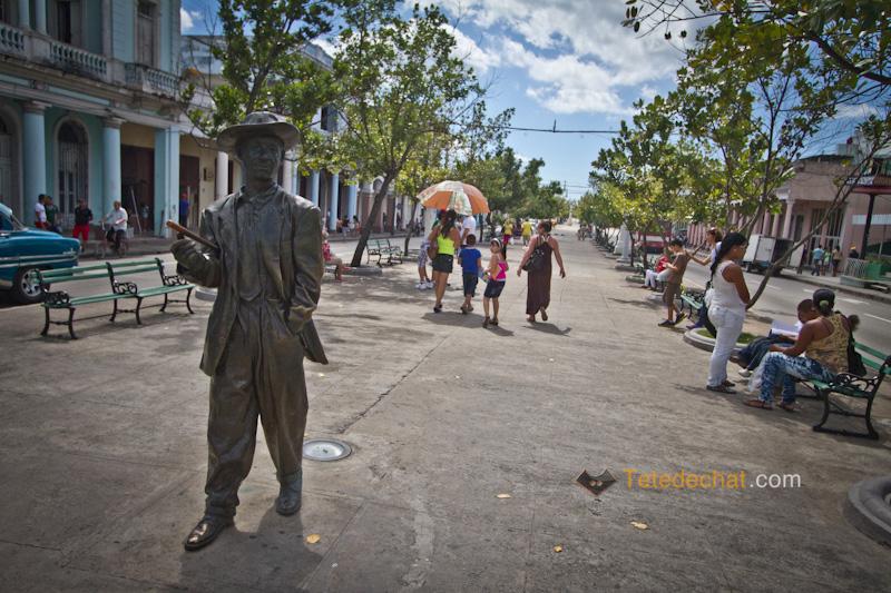 cienfuegos_statue_bronze