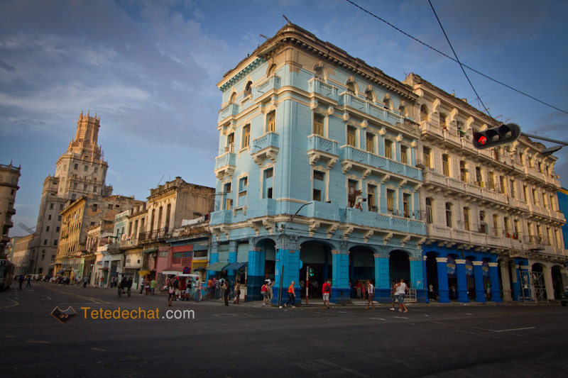 havane_building_bleu