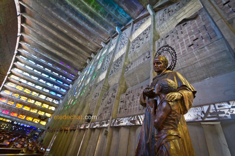 eglise_el_rosario_san_salvador_statue_homme