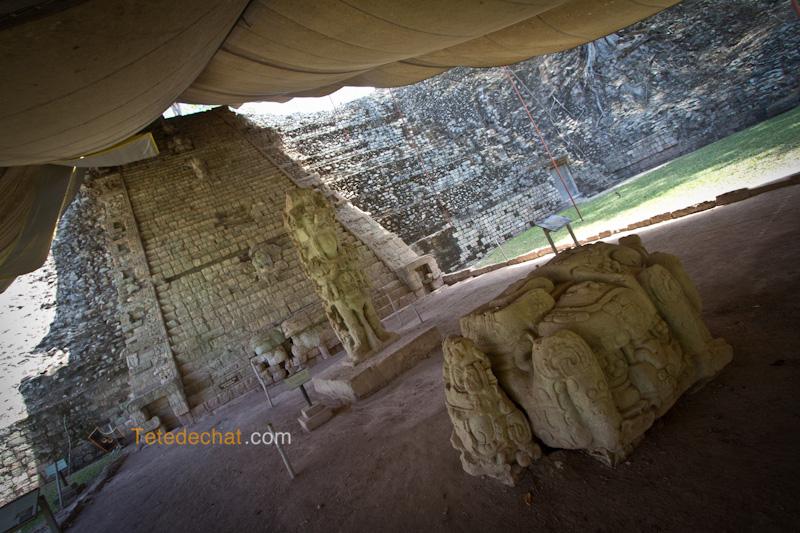 couverte_pyramide_ruines_copan