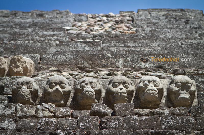ruines_copan_tetes_statue