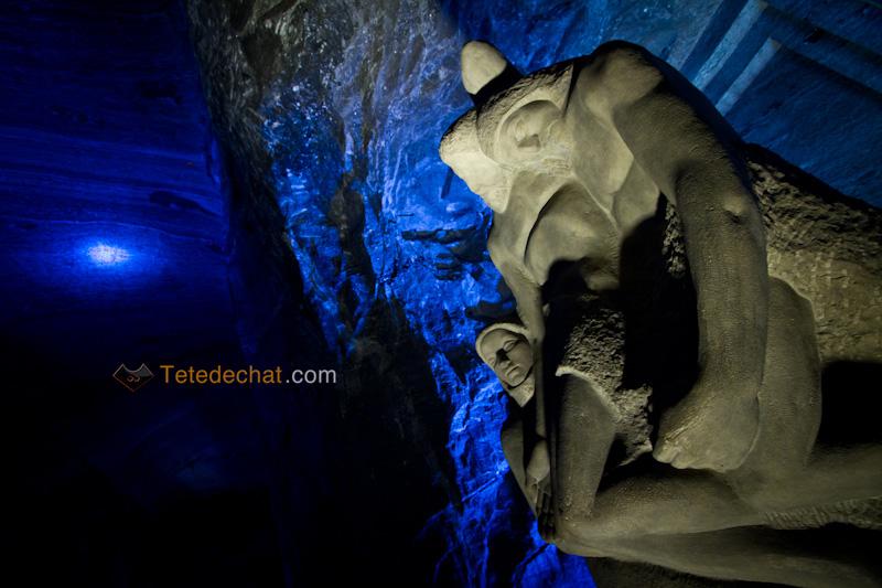 Cathedrale_de_sel_Zipaquira_statue_2