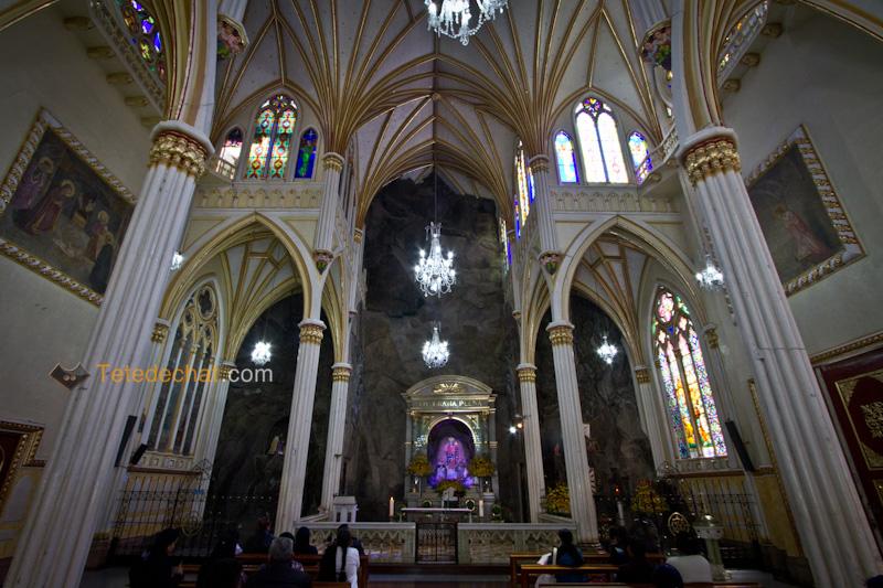 Sanctuaire_de_Las_Lajas_interieur