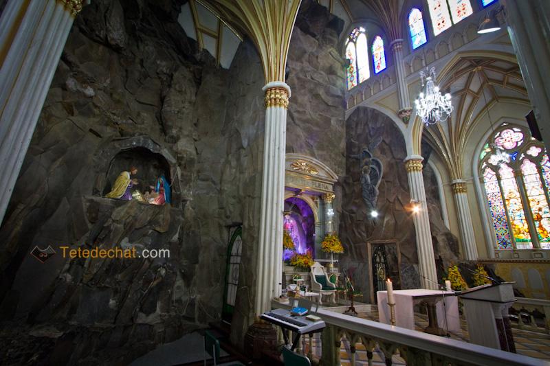 Sanctuaire_de_Las_Lajas_interieur_3