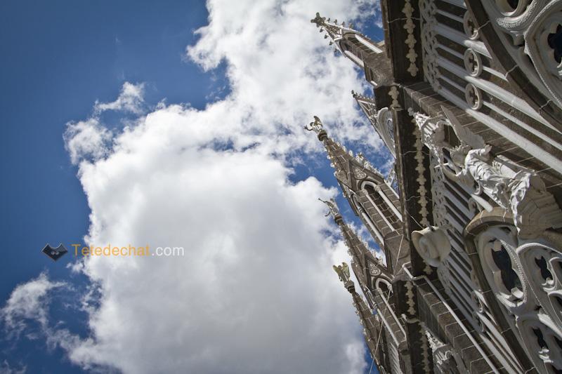 Sanctuaire_de_Las_Lajas_nuage
