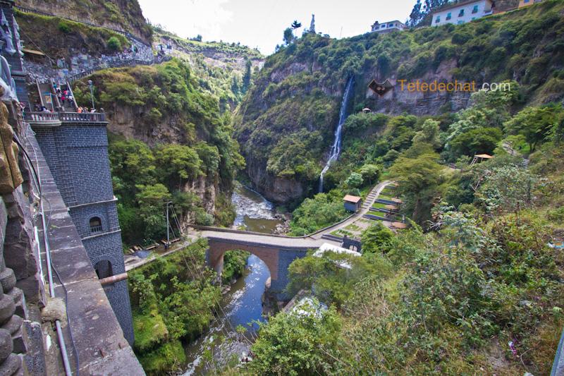 Sanctuaire_de_Las_Lajas_riviere