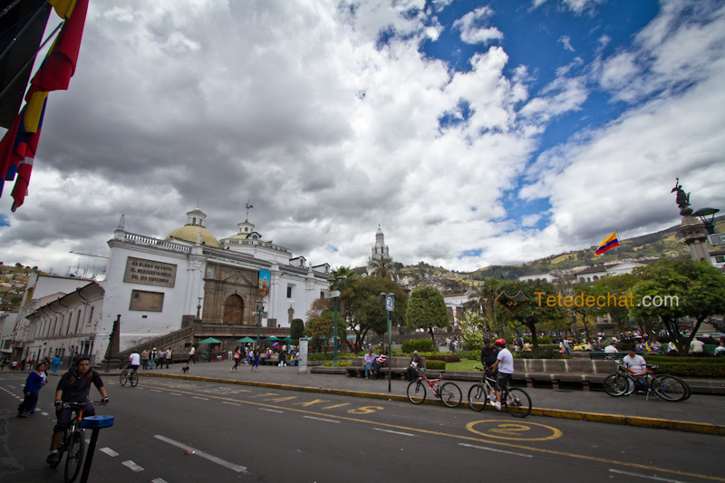 rue_eglise_quito